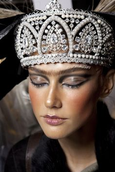 Crown jewels http://www.pinterest.com/rigorigo/jewelry/
