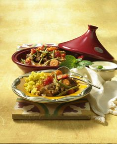 Moroccan Tagine with Couscous Recipe DELICIOUS - Our popular recipe for Moroccan tagine with couscous and over other free recipes LECKER. Tagine Recipes, Couscous Recipes, Lacto Vegetarian Diet, Vegetarian Recipes, Starchy Foods, How To Cook Eggs, Base Foods, Different Recipes, Popular Recipes