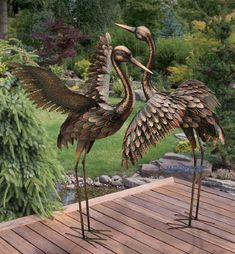 CHSGJY Large Bronze Patina Flying Crane Pair Sculpture Heron Bird Yard Art Metal Statue Home Garden Decor - Works as you would expect. Large Outdoor Statues, Outdoor Garden Statues, Outdoor Art, Outdoor Decor, Outdoor Living, Resin Garden Statues, Garden Statues For Sale, Bird Statues, Stone Statues