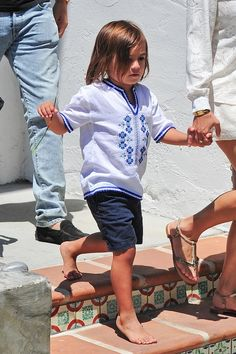 Kourtney Kardashian - Picnic in Malibu