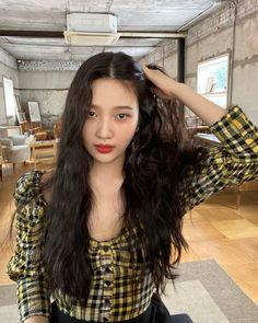 Kpop Girl Groups, Korean Girl Groups, Kpop Girls, Irene, Coral Cake, Joy Instagram, Red Velvet Joy, Thing 1, South Korean Girls