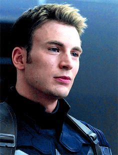 "Casual reminder Chris can play cinnamon roll Steve but he can also play the part of Steve that makes you go ""Thank god I'm not the one he's staring down"""