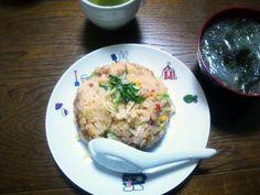 今日は、味付けバッチリ(^_^)V - 64件のもぐもぐ - チャーハン・春雨わかめスープ by sakachinmama