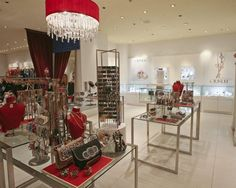 Looking for retail design ideas for my store, this website helps a lot. Looking at pictures gets my creativity flowing!