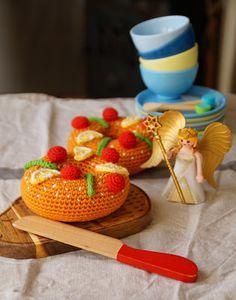 Doudou, maman, papa et moi: Couronne des rois Play Food, Good Food, Strawberry, Fruit, Crochet, Toys, Amigurumi, Kings Crown, Magic Circle