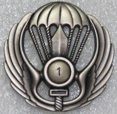 1st Parachute Battalion (Tuscania) beret badge  Italian Army