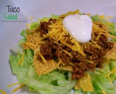 Easy Taco Salad #stockpile #Recipe http://www.stockpilingmoms.com/2013/01/how-to-make-an-easy-taco-salad/