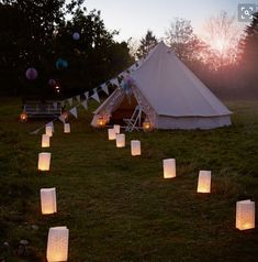 Hilles House is an unusual wedding venues in Cotswolds for romantic wedding events near Gloucester. This unique wedding venue in Gloucestershire has outdoor wedding locations for wedding parties. Hire our beautiful palace yurt for wedding.