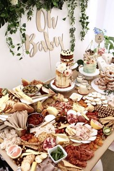 10 Hot Party Trends For 2017; grazing platters