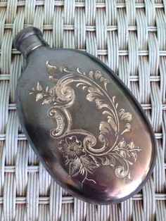 Beautifully hand engraved men's flask circa Bartenders, Flasks, Hand Engraving, Old Things, Corner, Spirit, Antiques, Artist, Men