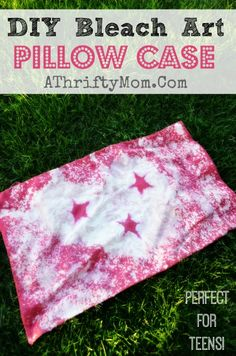 DIY Bleach Art Pillow Case, quick and easy craft project.  Perfect for teens or tweens #Bleach, #Craft, #DIY