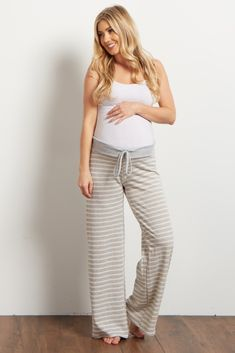 Add some fun to your loungewear with these printed pjs. A drawstring waistband for customized comfort and a striped print to make bedtime a beautiful occasion. Cozy up in these this winter and pair with a basic cami for a good night's sleep.