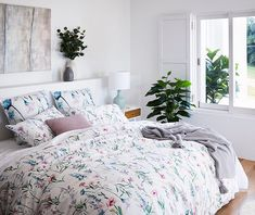 Bring hand painted, watercolour wildflowers into your home with this beautiful bedlinen design. The Wild Flowers quilt cover set is light and bright to give your bedroom a fresh new look. Modern Bed Linen, Black Bed Linen, Grey Duvet, Kids Blankets, Bed Linen Sets, Quilt Cover Sets, Linen Bedding, Bed Linens, New Room