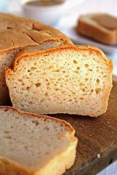 Receita de pão com farinha de arroz sem glúten, sem ovo, sem leite. Receita de pão vegano rápido e fácil!