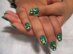 Mais dicas http://modafeminina.biz/unhas-decoradas/prontas-para-brilhar-unhas-decoradas-com-flores