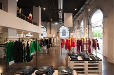 The new Miroglio concept store opened during the Salone del Mobile, with an exhibition of the Historic Collection of the Compasso d'Oro #ArchiJuice #RetailDesign