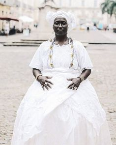 Religion In Africa, Yoruba Religion, Voodoo Priestess, African Mythology, Black Image, Fade To Black, African Diaspora, People Of The World, Culture