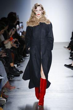 Zero + Maria Cornejo Fall 2017 Ready-to-Wear Collection Photos - Vogue Fashion 2017, New Fashion, Fashion Show, Autumn Fashion, Fashion Weeks, Zero Maria Cornejo, Cool Jackets, Fashion Colours, Ready To Wear