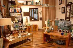 Muebles de diseño hechos con maderas nobles chilenas. Av. Italia 1449, local 3. Providencia (Barrio Italia). Santiago de Chile   www.kruz.cl