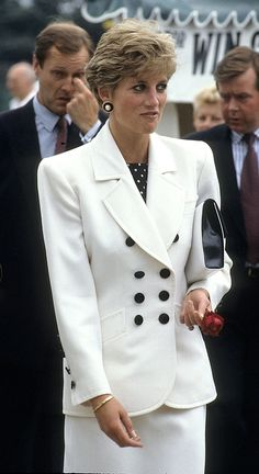 Princess Diana at the Fed Cup ceremony, 1991 Photo: Getty Images Princess Diana Fashion, Princess Diana Family, Princess Diana Pictures, Princes Diana, Royal Princess, Princess Of Wales, Princess Style, Catherine Walker, Charles And Diana