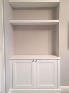 Alcove cupboard with floating shelves Alcove Storage Living Room, Bedroom Alcove, Built In Shelves Living Room, Alcove Shelving, Desk In Living Room, Bookshelves Built In, Wall Storage, Master Bedroom, Dining Room