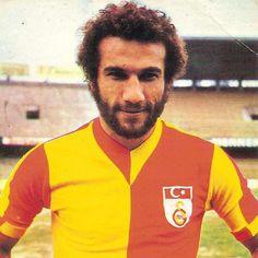 Metin Kurt ex calciatore turco, è stato fondatore del sindacato per la tutela dei lavoratori dello sport.