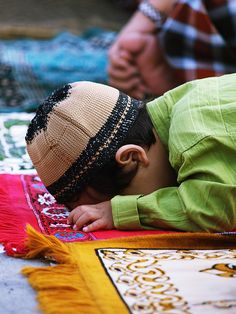 muslim boy praying...