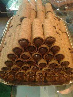 Daddy Cool!: Συνταγη για πουρακια !(Waffer rolls recipe)