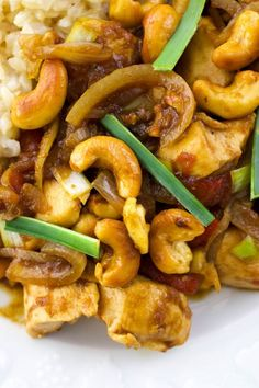 Incredibly delicious Thai Cashew Chicken is easy to make at home! #Thai #Recipes# Chicken #Dinner Thai Cashew Chicken, Asian Chicken Recipes, Curry Recipes, Thai Recipes, Indian Food Recipes, Romantic Dinner Recipes, Dinner Recipes Easy Quick, French Vegetarian Recipes, Traditional French Recipes
