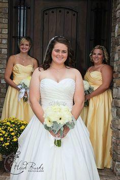 Wedding pose Heidi Burks Photography