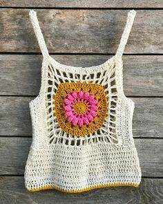 Summer It desperately needs to be blocked but I'm pretty chuffed with the new summer tank I designed. Made with Paris DROPS Design cotton. Crochet Tank, Crochet Cardigan, Knit Crochet, Crochet Designs, Crochet Patterns, Beginner Crochet Tutorial, Crochet Sunflower, Black Crochet Dress, Boho Fashion Summer