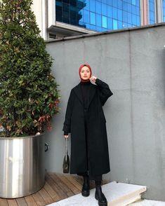 Hajib Fashion, Street Hijab Fashion, Muslim Fashion, Black Women Fashion, Modest Fashion, Black Hijab, Hijab Evening Dress, Hijab Style Tutorial, Hijab Trends
