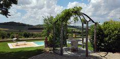Country House Montessino ist ein Adults only Boutique-Hotel & Resort in B&B Formel im Piemont, Monferrato. Absolut ruhig gelegen, stehen Ihnen nebst einer traumhafen Aussicht Salzwasser-Pool, Whirlpool, Sauna, Yogaraum, Fitness-Raum, Zen-Insel sowie ein Massage-Studio zur Verfügung Sauna, Zen, Massage, Arch, Outdoor Structures, Boutique, Studio, Garden, Historic Houses
