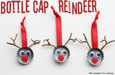 Bottle Cap Reindeer are ridiculously easy kids' Christmas crafts, and they're just too cute!