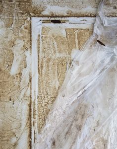 How to Strip Paint from Doors - House of Brinson Wood Front Doors, Old Doors, Wooden Doors, Stripping Paint From Wood, Door Stripping, House Painting, Painting On Wood, Lead Paint Removal, Strip Paint