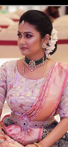 Indian Bridal, Indian Wedding Jewelry, Bridal Jewelry, Indian Jewelry, Gold Jewelry, Jewelery, Vaddanam Designs, Beaded Jewelry Designs, Bead Jewellery