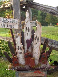Halloween ghosts and pumpkins - Primitive Crafts - Bing Images Halloween Wood Crafts, Outdoor Halloween, Holidays Halloween, Halloween Ghosts, Holiday Crafts, Holiday Fun, Happy Halloween, Thanksgiving Wood Crafts, Wooden Halloween Decorations