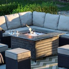 Keep guests warm and entertained at your outdoor conversation space with the Belham Living Willow Aluminum Propane Gas Fire Pit Table . Garden Fire Pit, Fire Pit Backyard, Backyard Patio, Backyard Ideas, Pergola Ideas, Patio Ideas, Gas Fire Pit Table, Diy Fire Pit, Outdoor Fire Table