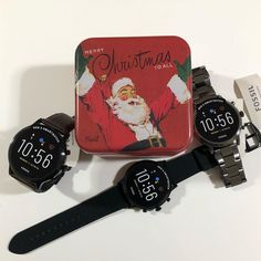 "Cardell Watch Store on Instagram: ""Siempre a tu lado!!! Feliz navidad para todo el mundo🎄🎁 🎅🏼 #fossilsmartwatch #cardellwatchstore #alicante #relojesfossil #smartwatch…"" Merry Christmas To All, Fossil Watches, Alicante, Smartwatch, Casio Watch, Instagram, Accessories, World, Merry Christmas"