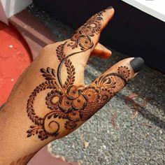 Round Mehndi Design, Modern Henna Designs, Rose Mehndi Designs, Indian Henna Designs, Latest Henna Designs, Simple Arabic Mehndi Designs, Henna Art Designs, Mehndi Designs 2018, Mehndi Designs For Beginners