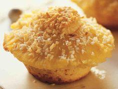 Ananasmuffinit http://www.yhteishyva.fi/ruoka-ja-reseptit/reseptit/ananasmuffinit/011136