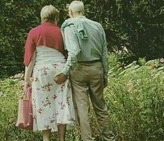 30Elderly Couples Who Prove That Love Has NoAge Limit