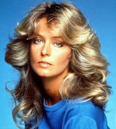 ファラフォーセット・メジャーズ。 1970年代のアメリカ・大人気女優。 サーファーカットの元祖と言われています。