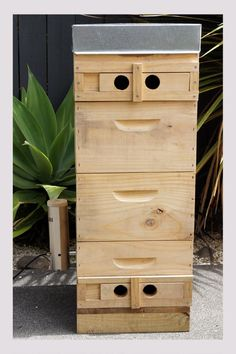 A modified beehive with a Smokai Smoke Generator makes an outstanding cold smoker. You can make it as tall as you wish. Smokehouse, Smoking Meat, Preserving Food, Cold, Beehive, Classic, Outdoor Decor, Diy, Recipes