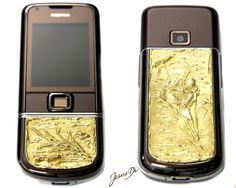 Cellulare in oro realizzato artigianalmente  Mobile gold handcrafted