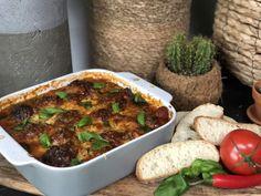 recept ovenschotel met Italiaanse gehaktballetjes in een pittige tomatensaus