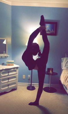 New Fitness Body Photography Flexibility Ideas Flexibility Dance, Gymnastics Flexibility, Flexibility Exercises, Yoga Inspiration, Power Yoga, Cheer Workouts, Dance Poses, Yoga Poses, Ballet Photography