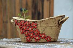 Hand Built Pottery, Slab Pottery, Ceramic Pottery, Pottery Art, Ceramic Lantern, Ceramic Pots, Ceramic Birds, Keramik Design, Pottery Handbuilding