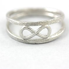 INFINITY RING DOUBLE BAND