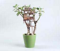 Casas en el árbol en miniatura, cabañas de madera mini, pequeñas casas en el arbol, cabañas en macetas, casitas en plantas.